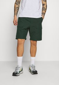 Wood Wood - OLLIE - Shorts - dark green - 0