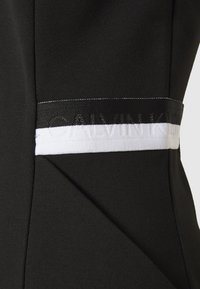 Calvin Klein Jeans - ZIP MILAN - Sukienka etui - black - 2