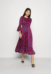 Who What Wear - SMOCKED DRESS - Day dress - slate - 1