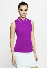 vivid purple/white/white