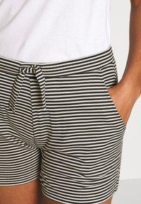 Marc O'Polo - SHORTS - Pyjama bottoms - creme - 4