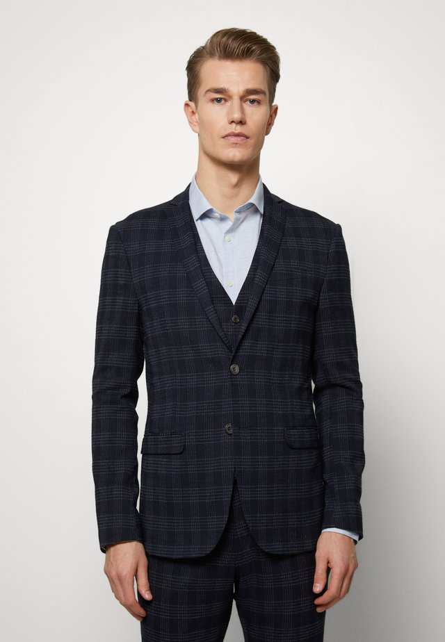 MIDNIGHT TEXTURED CHECK SUIT - Puku - navy