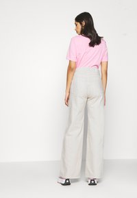 Weekday - ACE - Flared jeans - tinted ecru - 2