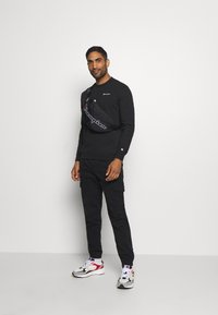 Champion - LEGACY CREWNECK - Sweater - black - 1