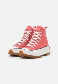 Converse - RUN STAR HIKE UNISEX - High-top trainers - terracotta pink/vintage white/honey - 1