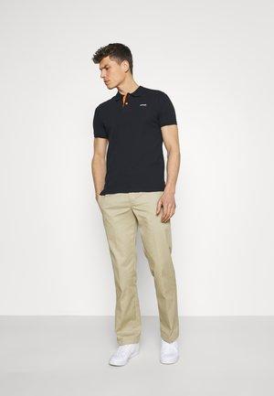 PSMILTON - Polo shirt - navy/orange
