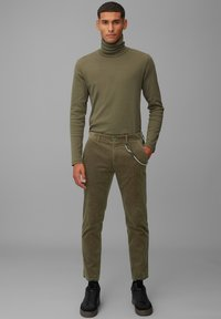 Marc O'Polo DENIM - Trousers - utility olive - 1