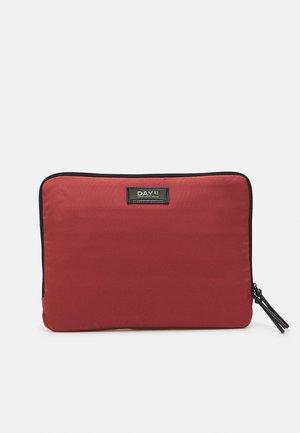 GWENETH FOLDER - Laptop bag - red