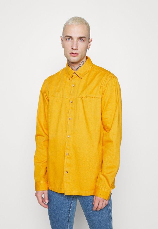 CUT'N SEW KENT COLLAR - Shirt - yellow