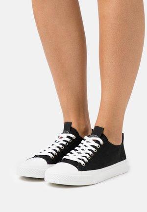 EDERLA  - Sneakersy niskie - black