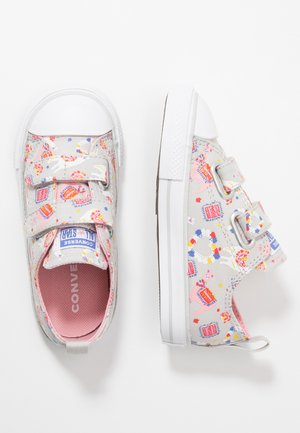 CHUCK TAYLOR ALL STAR LLAMA - Trainers - mouse/coastal pink/white