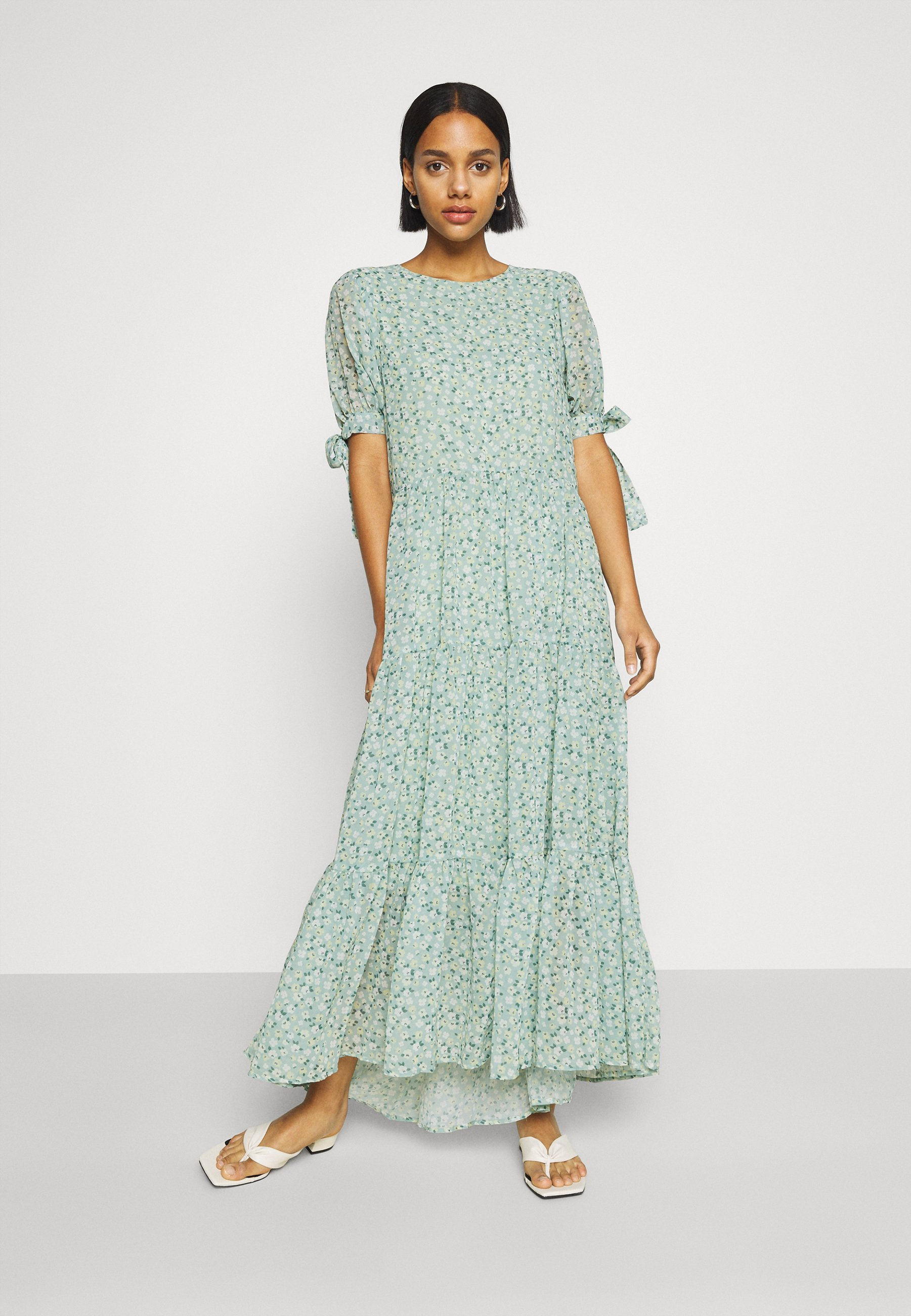 Mujer RIVAL FLORAL TIERED DRESS - Vestido largo