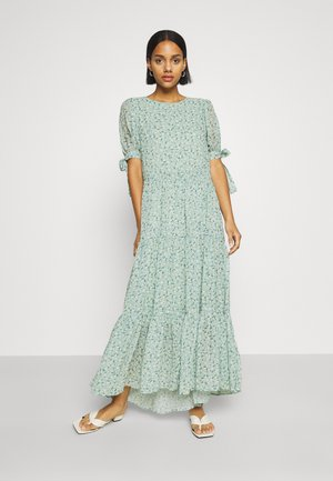 RIVAL FLORAL TIERED DRESS - Maxi dress - green