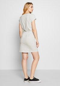 Vero Moda Tall - VMAPRIL SHORT DRESS 2 PACK - Jersey dress - black/snow - 2