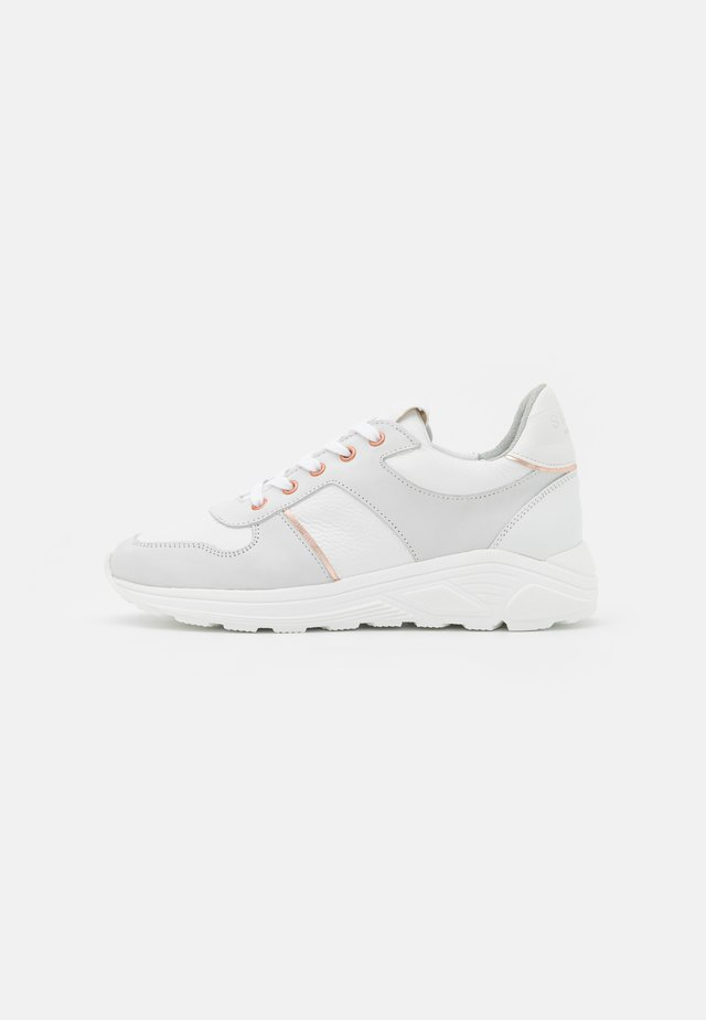 ROSA - Trainers - white
