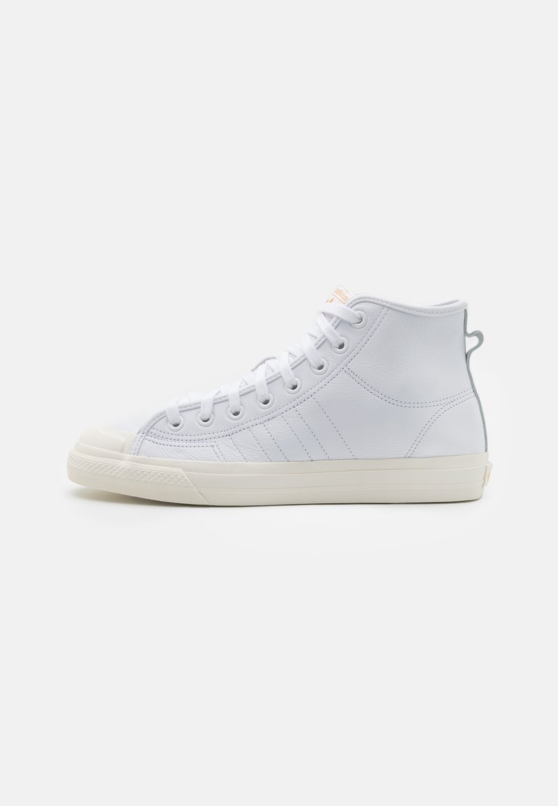 adidas Originals - NIZZA UNISEX - Sneakers alte - footwear white/chalk white/gold metallic