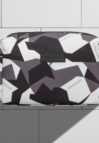 CONSIGNED - MANSVILLE WASHBAG - Trousse de toilette - black