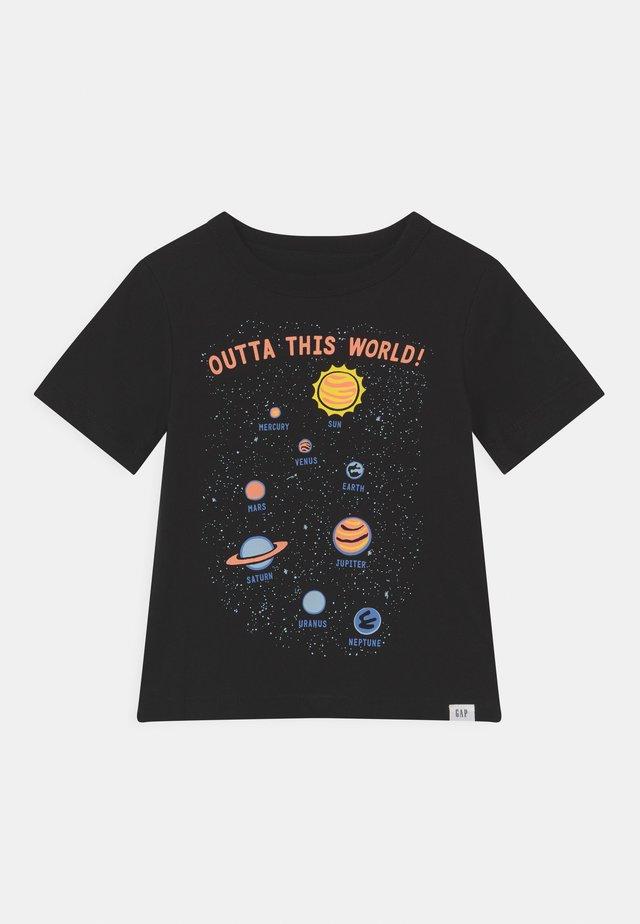 T-shirt con stampa - true black