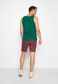 Selected Homme - SLHSTRAIGHT PARIS - Shorts - wild ginger