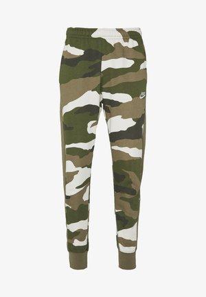 CLUB CAMO - Pantalones deportivos - medium olive/summit white