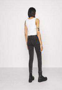 Noisy May - NMEVE BREAK - Jeans Skinny Fit - grey denim - 2