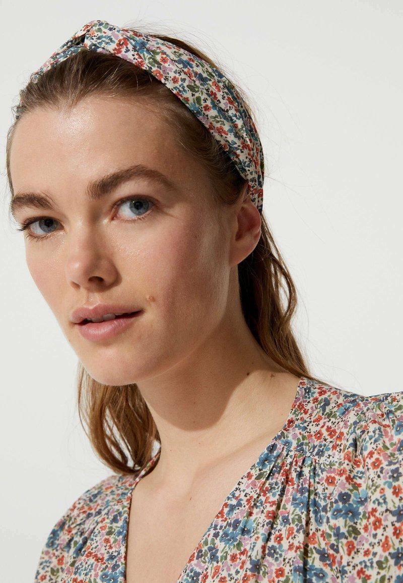 OYSHO - Hair styling accessory - beige