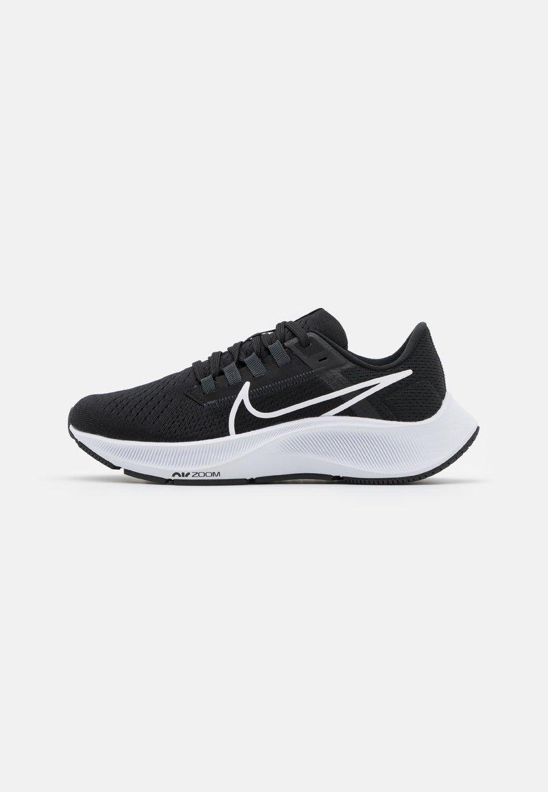 Nike Performance - AIR ZOOM PEGASUS 38 - Neutrální běžecké boty - black/white/anthracite/volt