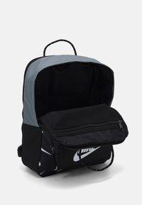 Nike Sportswear - TANJUN - Mochila - black/white - 2
