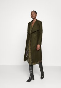 Ted Baker - ROSE - Classic coat - olive - 1
