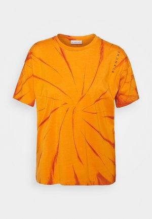 MAINTIE DYE - T-shirt imprimé - desert sun