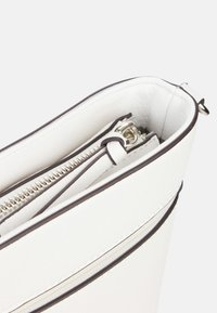 Tamaris - ALESSIA - Across body bag - white - 6