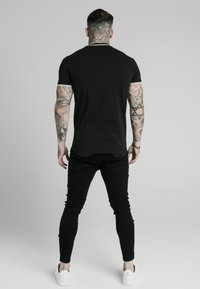 SIKSILK - Print T-shirt - black - 2