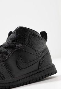 Jordan - 1 MID - Basketbalové boty - black - 2