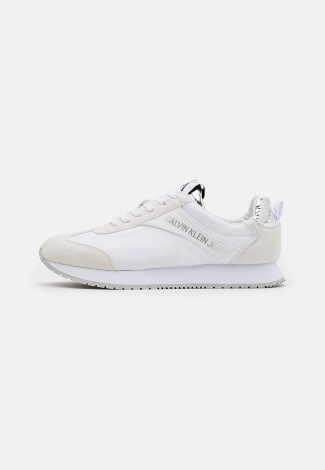 JERROLD - Trainers - white/silver