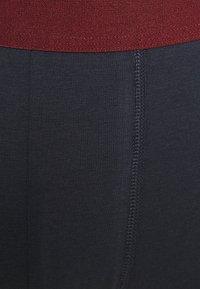 Pier One - 2 PACK - Pants - dark blue/bordeaux - 5