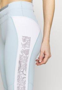 adidas by Stella McCartney - Legginsy - blue/white - 5