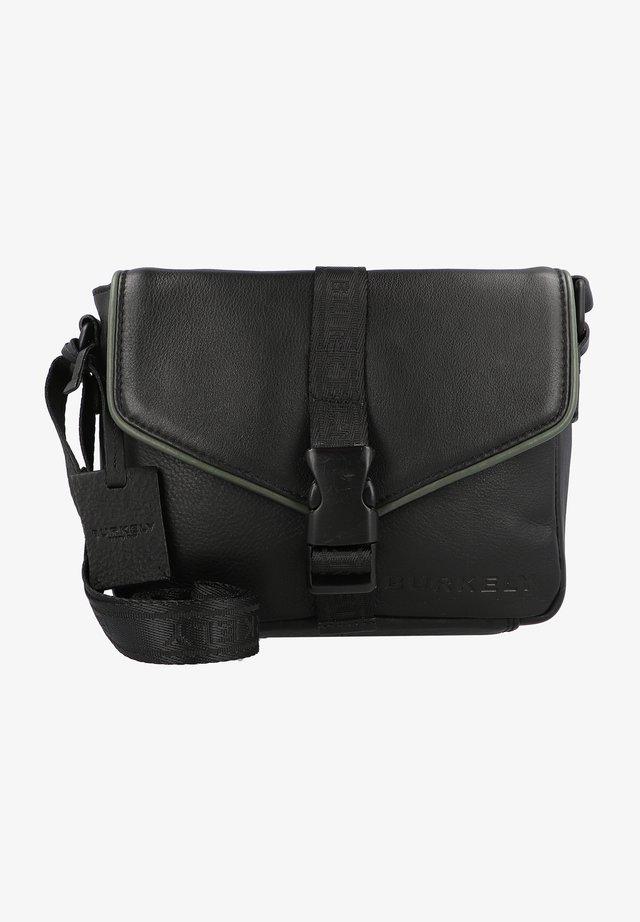 REBEL REESE  - Across body bag - black