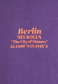 YOURTURN - UNISEX - T-shirt imprimé - purple - 6