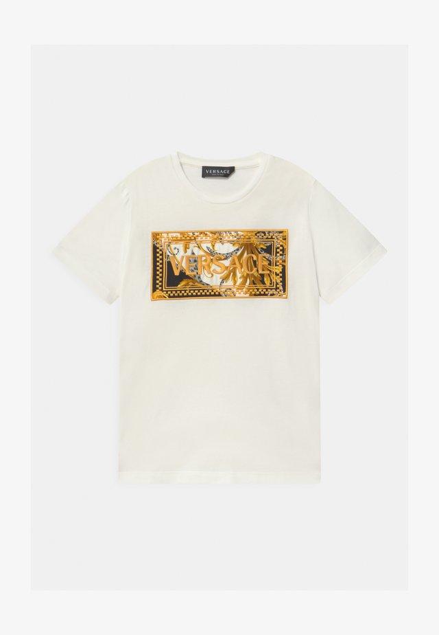 MAGLIETTA UNISEX - T-shirt print - bianco/oro