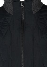 Zizzi - QUILTED TEDDY  WITH POCKETS - Down coat - black comb - 6