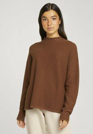 Jumper - amber brown