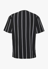 Topman - STRIPE SIGNATURE TEE - Print T-shirt - black - 6