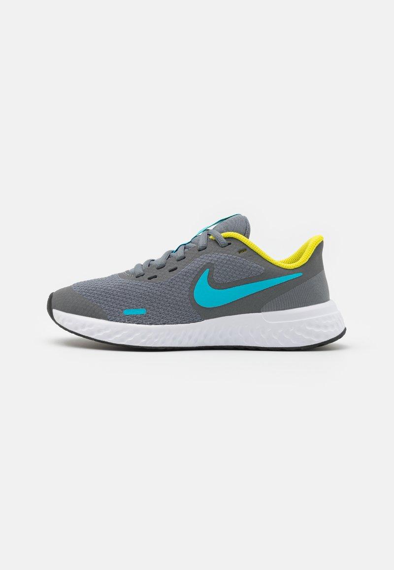 Nike Performance - REVOLUTION 5 UNISEX - Neutral running shoes - smoke grey/chlorine blue/high voltage/white