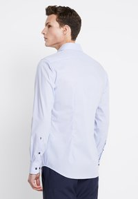 Seidensticker - BUSINESS KENT PATCH EXTRA SLIM FIT - Formal shirt - hellblau - 2
