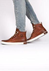 Blackstone - Höga sneakers - old yellow - 2