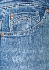 ONLY - ONLCARMEN LIFE REG - Skinny džíny - light medium blue - 6