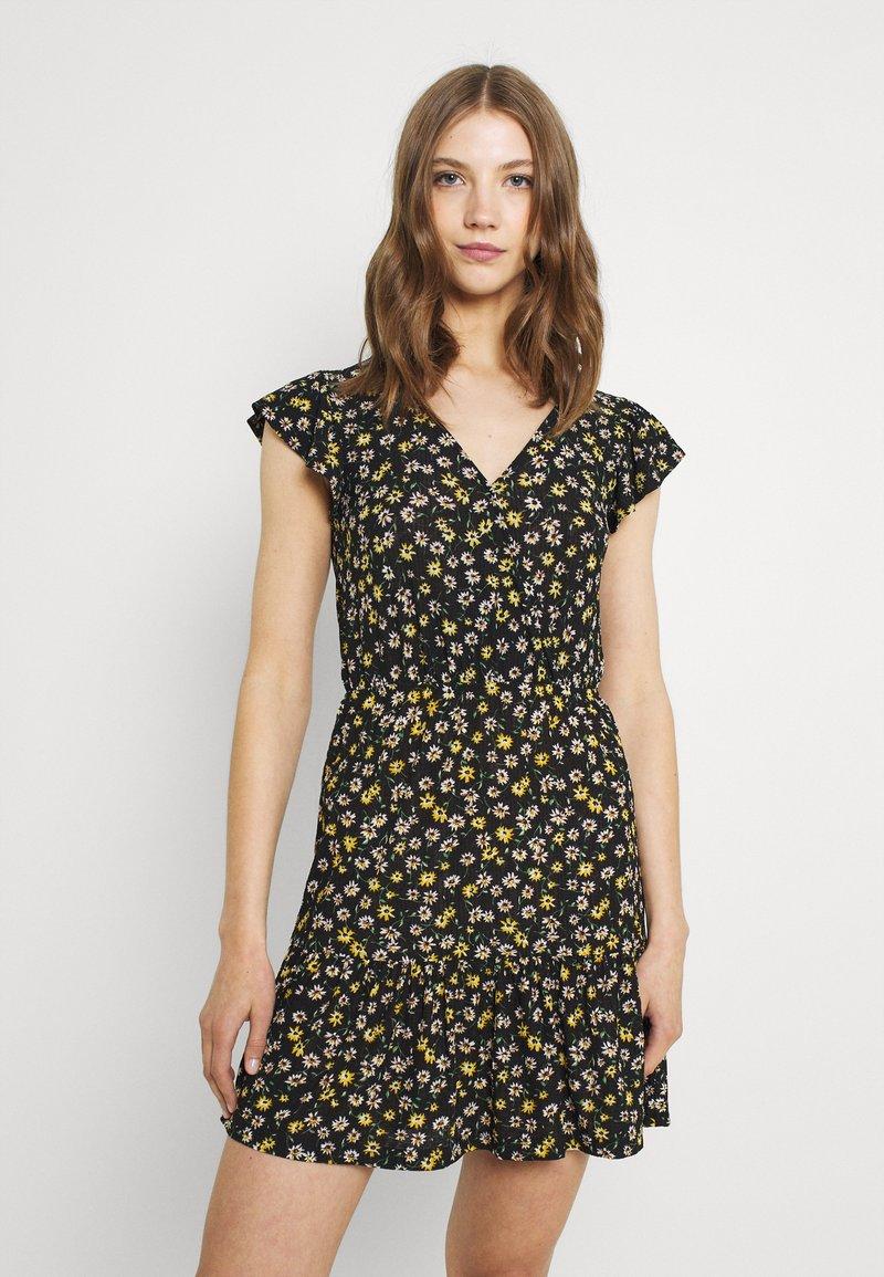 JDY - JDYGITTE SVAN CAPSLEEVE DRESS - Robe d'été - black /yellow