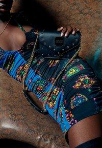 Versace Jeans Couture - REVOLUTION STUDS CROSSBODY - Across body bag - nero - 1