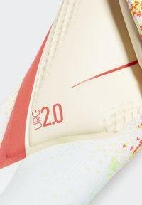 adidas Performance - PREDATOR 20 PRO GOALKEEPER GLOVES - Gloves - white - 3