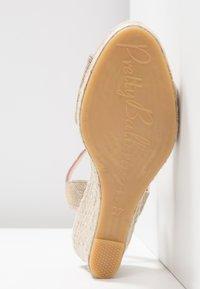Pretty Ballerinas - Platform sandals - galassia plata - 6